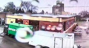 A Food Truck In Oregon Explodes Into A Giant, Jaw-Dropping Fireball