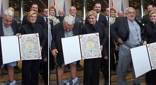 Croatian picks up award, loses pants