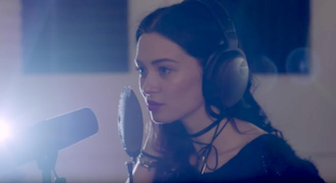 How Music Producers Cheat To Make Pop Singers Sound Good - Digg