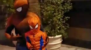 Disney Park Spider-Man Meets His Mini-Me, Shows Him How To Shoot Webs