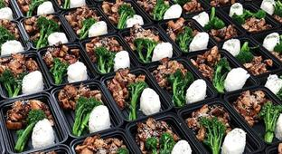Why The Internet Is Obsessed With #MealPrep