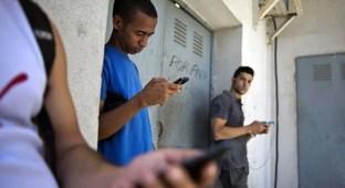 Cuba's 'offline internet':