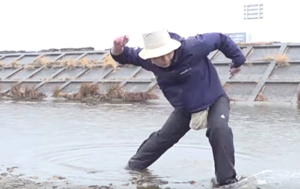This Is What World Champion Stone Skipper Keisuke Hashimoto Is Capable Of -  Digg