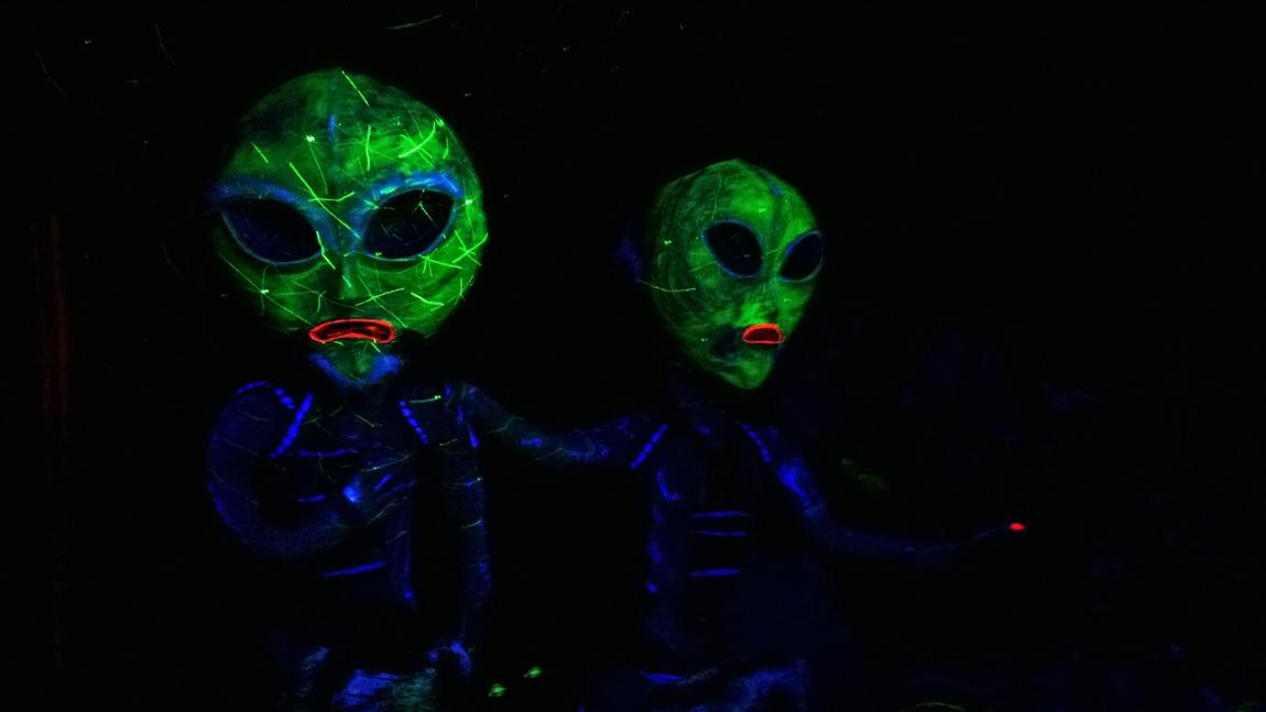 Aliens definitely exist and other facts digg spooky green aliens thecheapjerseys Choice Image
