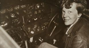 The Obsessed, Feuding Searchers Still Looking For Amelia Earhart (2016)