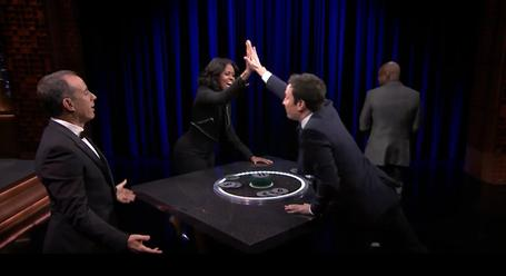 Michael Che And Joel McHale Play 'Catchphrase' Against Jimmy