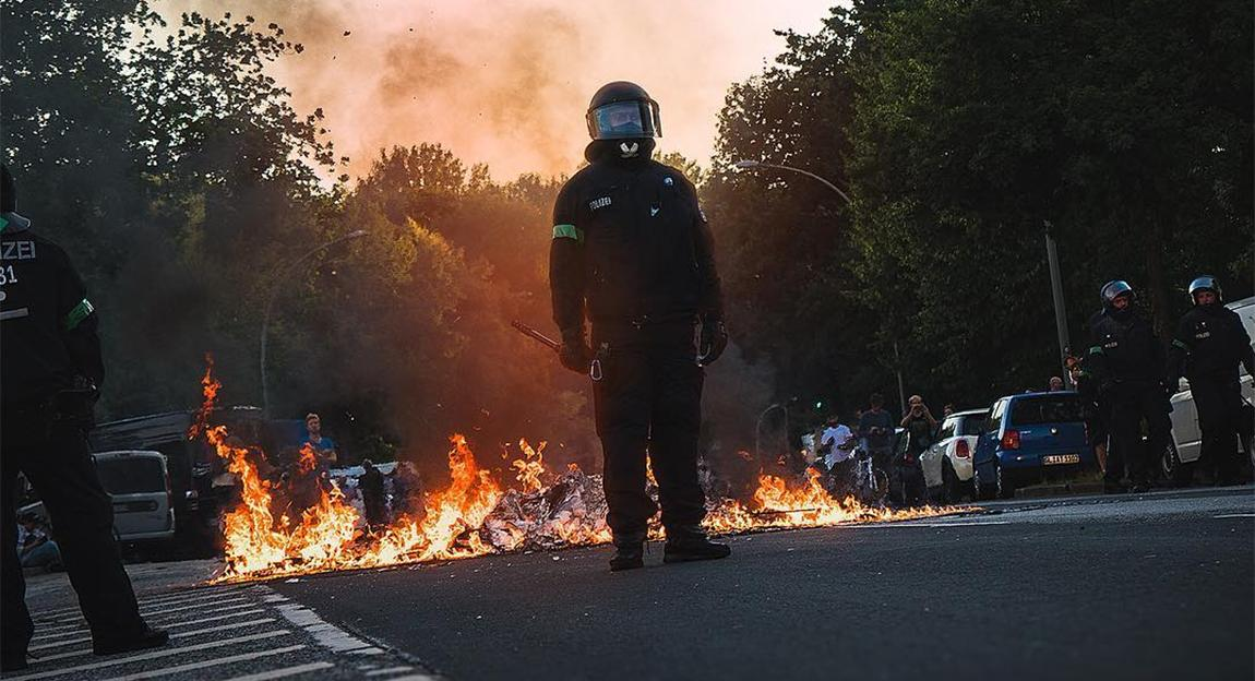 Scenes From The Truly Riotous G20 Protests In Hamburg Digg