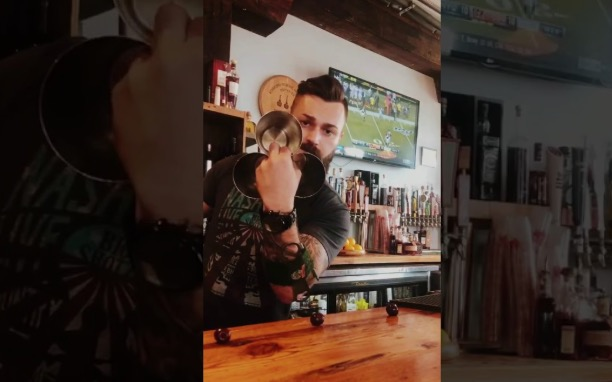 Bartender Does A Mind-Bending Magic Trick With Cocktail Shakers