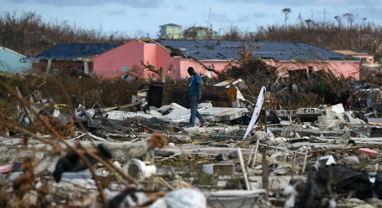 Bahamas Hurricane Survivors Are Kicked Off Ferry Over US Visa Demands