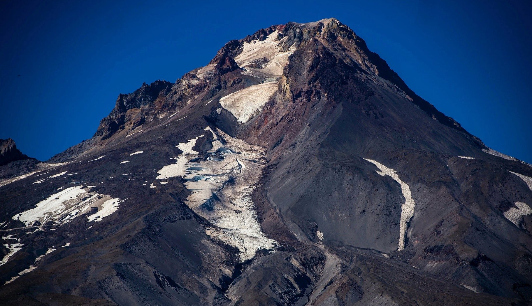 We're Barely Listening To The US's Most Dangerous Volcanoes