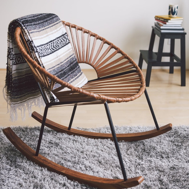 Magnificent Can Rocking Chairs Look Cool This One Does Digg Beatyapartments Chair Design Images Beatyapartmentscom