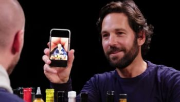 Paul Rudd Teaches Sean Evans How To Make A Butt With His Fingers In Photos In Hilarious 'Hot Ones' Interview