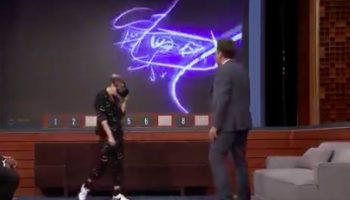 Kristen Stewart And Jimmy Fallon Have A No Good, Very Bad Time Playing Virtual Reality Pictionary