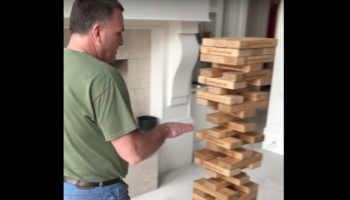 Man Pulls Off An Impossible Jenga Move