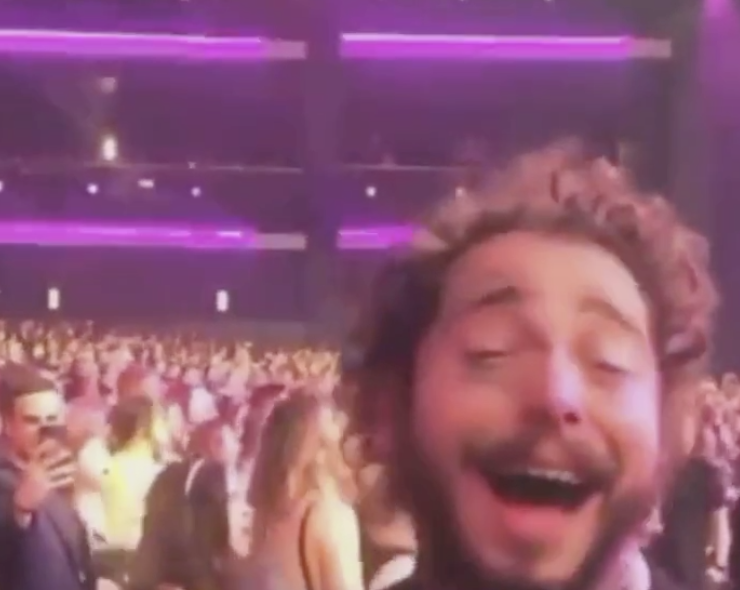 Let This Video Of Post Malone Dancing Blissfully To Shania Twain At The AMAs Inspire You To Live Your Truth