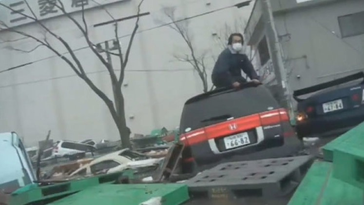This Unearthed Dashcam Footage From The March 2011 Tsunami From Japan Is Horrific