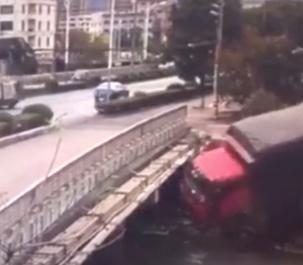 This Is Why It Takes Real Skills To Be A Truck Driver