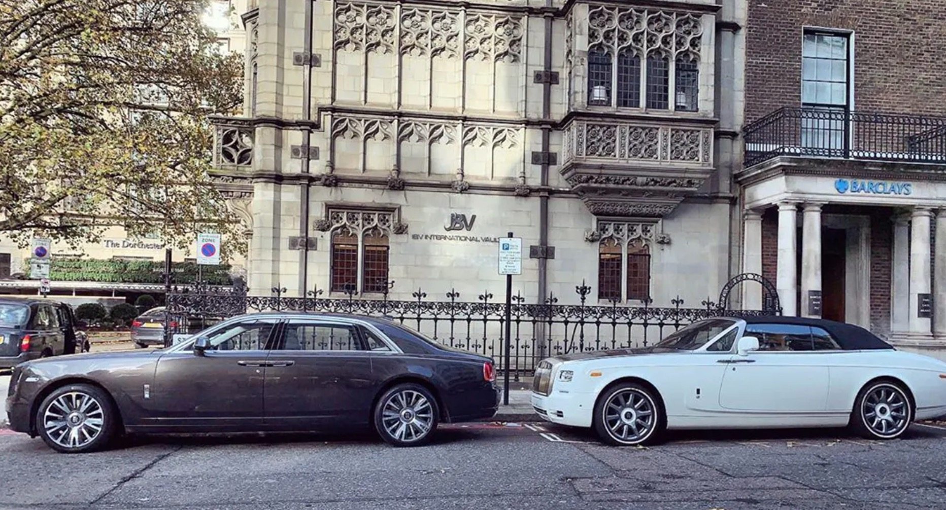 London's Billionaires-Only Bank Chauffeurs Customers To And From Vault in $300K Rolls-Royce