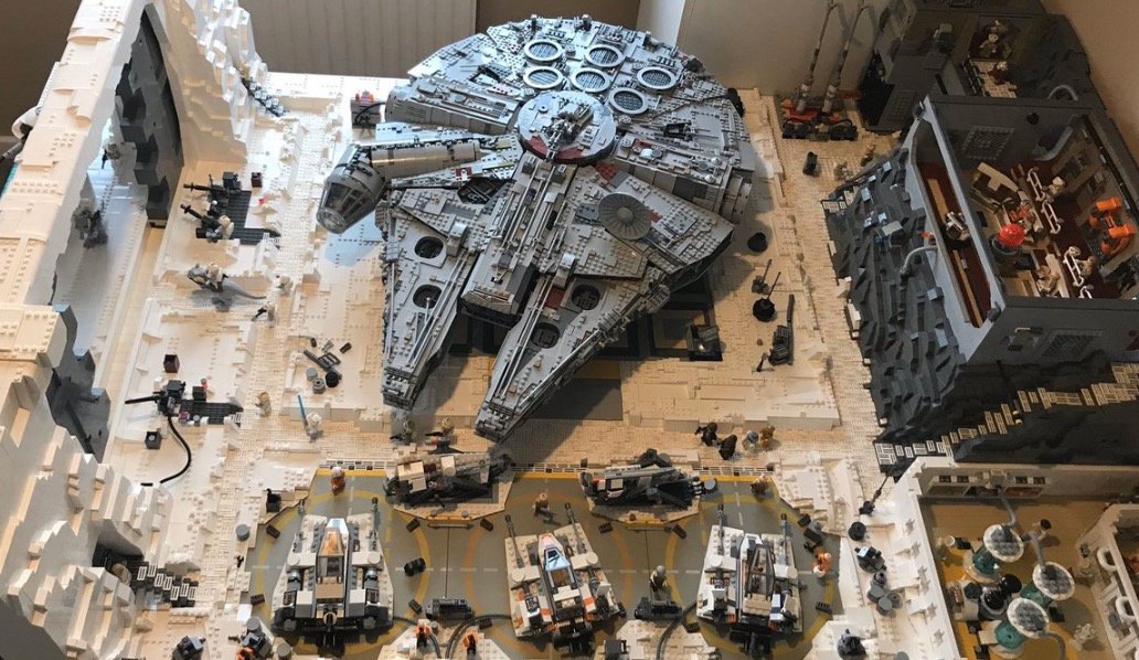 Star Wars Fan Spent A Year And Over 16,000 Legos To Recreate The Hoth Base From 'The Empire Strikes Back'