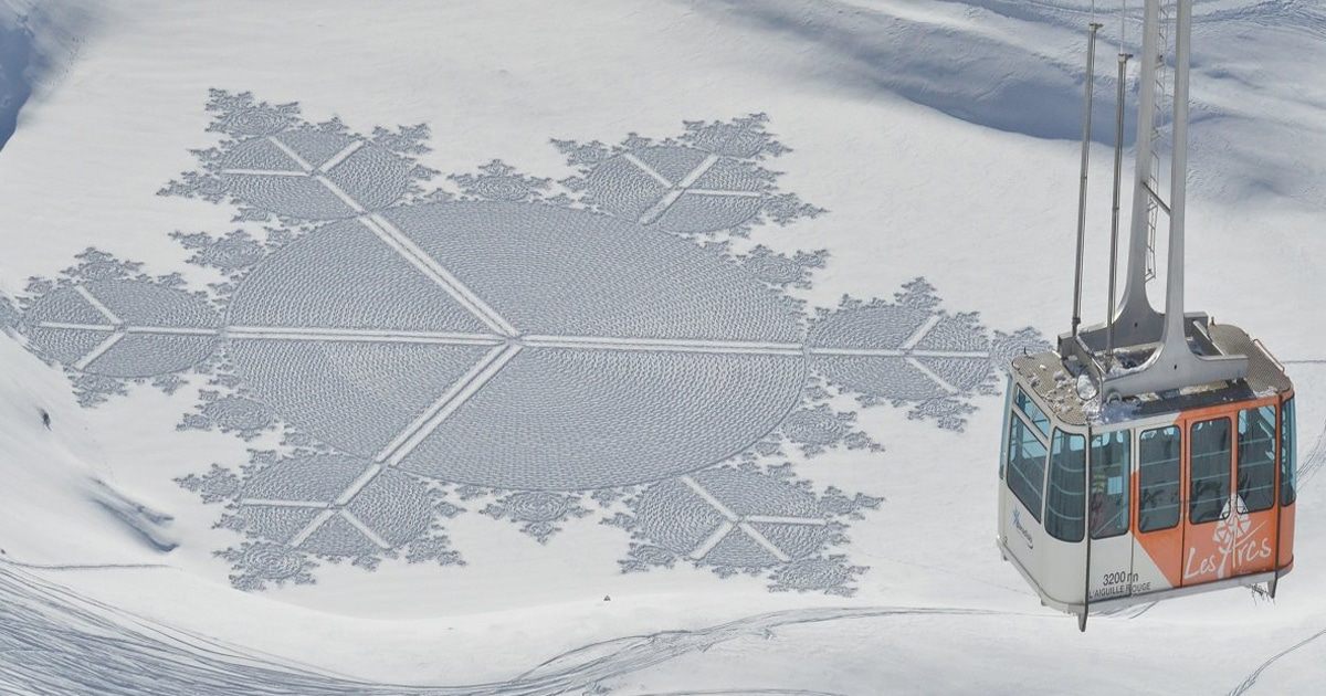 Former Cartographer Walks All Day To Create Ephemeral Snow Art