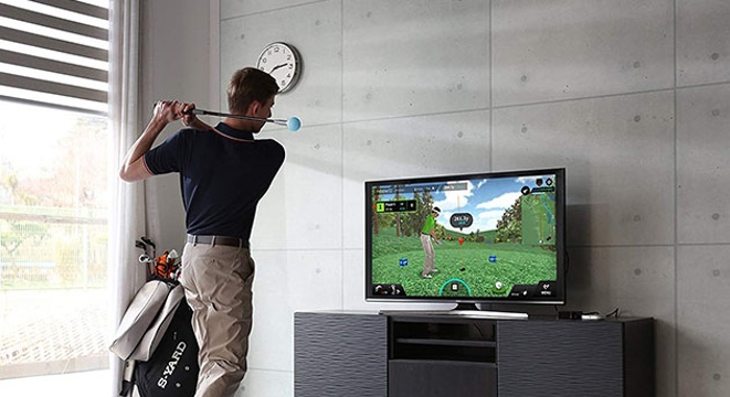 Practice Your Swing Whenever, Wherever With This Virtual Golf Simulator