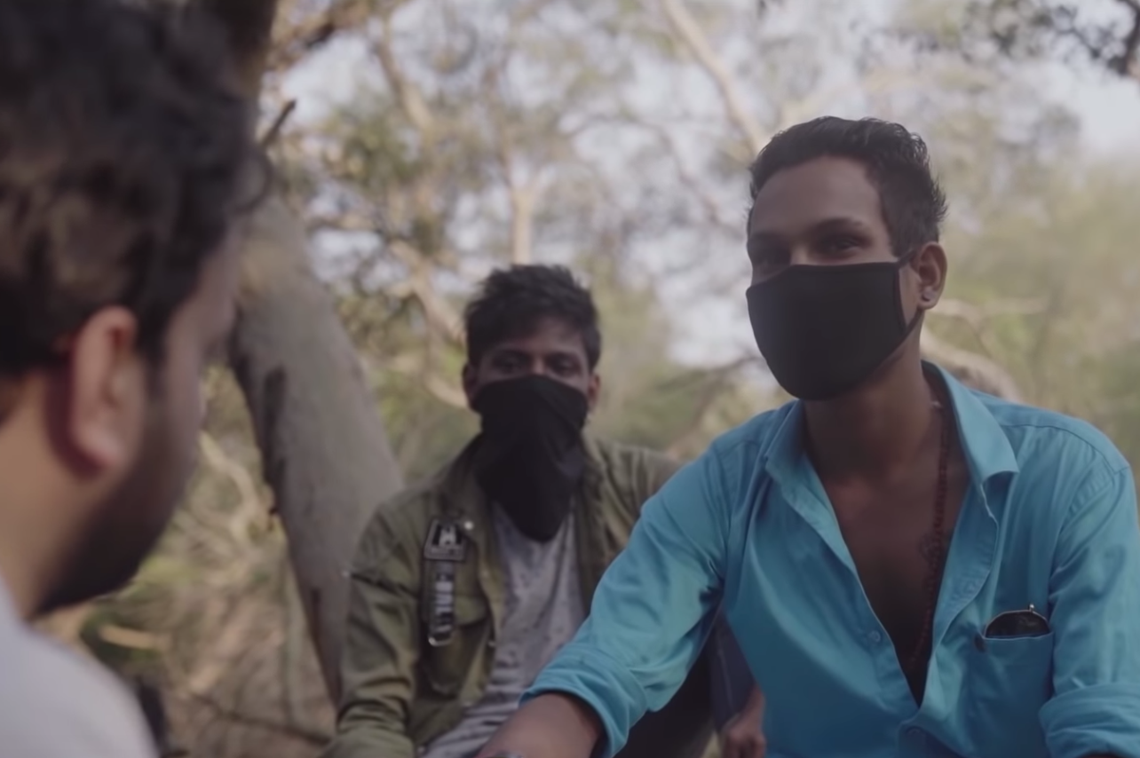 Guy Hangs Out With Thieves In India To Learn How Not To Get Robbed
