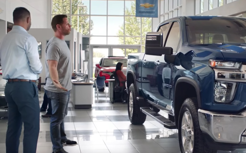 Guy Inserts Himself Into Chevy Advertisement And Has The Time Of His Life Dunking On It