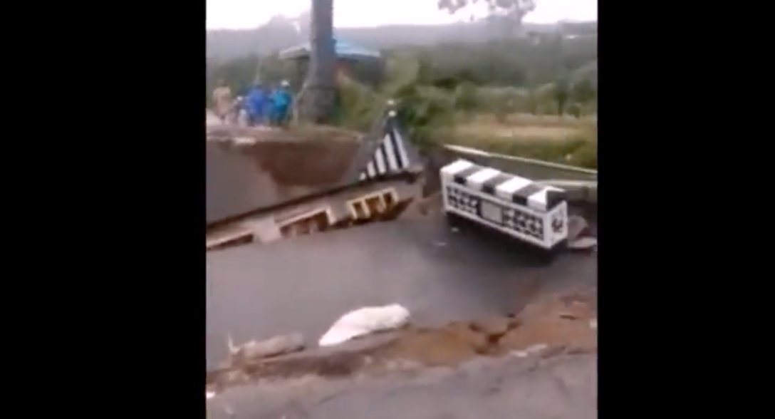 The Moment A New Bridge Collapses Because Of Heavy Rain