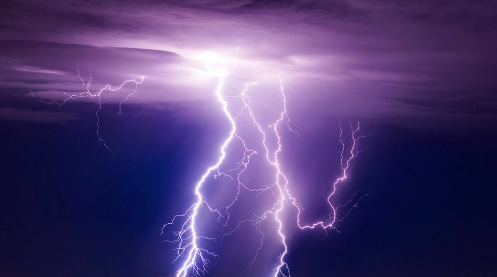 The Science Behind Superbolt Lightning, Extremely Powerful Lightning Strikes, Explained