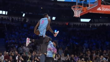 Watch All The 50 Point Dunks From Last Night's NBA Slam Dunk Contest