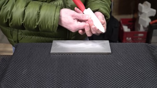 YouTuber Attempts To Sharpen 'Impossible To Sharpen' Ceramic Knife