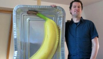 Your Brain Will Trick You Into Thinking This Oil Painting Of A Banana In An Aluminum Pan Is Three-Dimensional