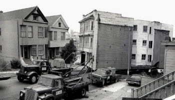 Amazing Photographs Documented Victorian Houses Moving In San Francisco In The 1970s