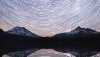 These 4K Time Lapses Of Startrails Over Some Of The World's Most Dramatic Landscapes Are Breathtaking