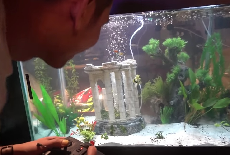 YouTuber Builds The World's Smallest Micro Submarine And Has The Time Of His Life