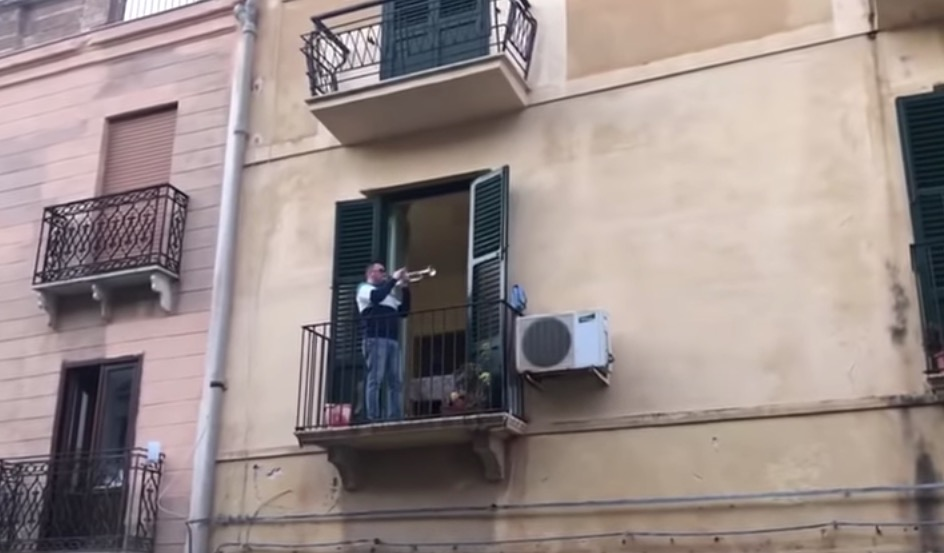 Trumpeter In Italy Puts Gal Gadot To Shame With Uplifting Performance Of 'Imagine' To Quarantined Neighbors