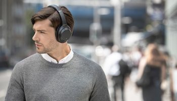 Top-Tier Sony Noise-Cancelling Headphones Make Working From Home Tolerable