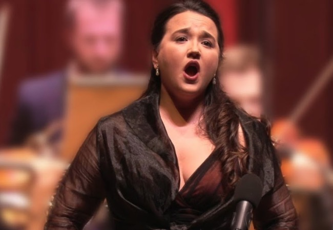 Spanish Soprano Delivers A Show-Stopping Performance Of The 'Star Trek' Theme To A Stunned Audience