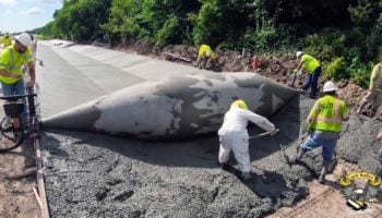 The Way This Concrete Paving Machine Works Is Incredibly Mesmerizing