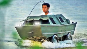 Someone Built An Amphibious Go-Kart Boat And It Looks Pretty Badass
