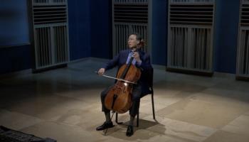 Watch Award Winning Cellist Yo-Yo Ma Perform Bach Live