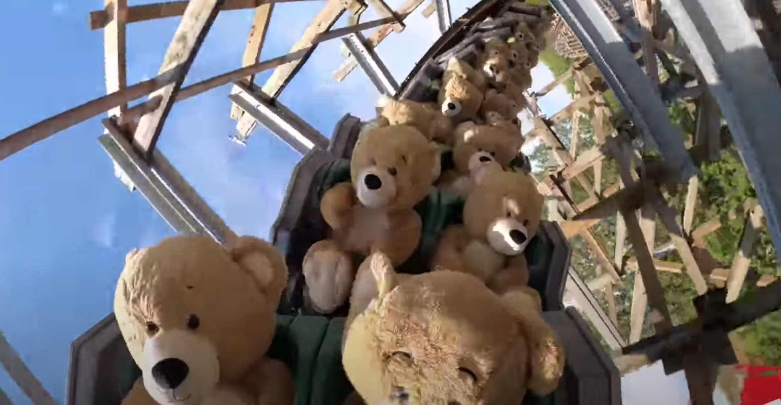 This Video Of 22 Oversized Teddy Bears Riding A Roller Coaster Is… Utterly Delightful? - Digg