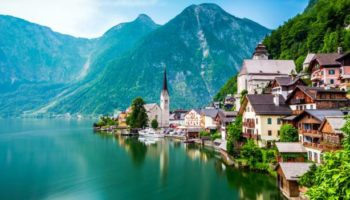 Austria's Tiny Village With 10,000 Day-Trippers