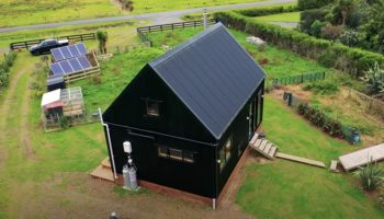 This Off-The-Grid Tiny House Looks Like The Perfect Getaway