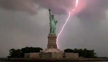 The Statue Of Liberty Gets Struck By Lightning In Dramatic Moment Caught On Camera