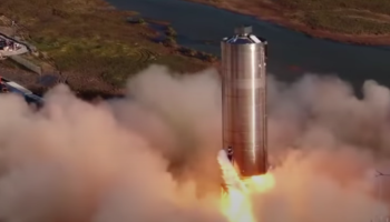 Watch SpaceX's Starship Successfully Hop 500 Feet