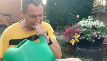 Guy Impressively Performs 'Flight Of The Bumblebee' Using His Watering Can
