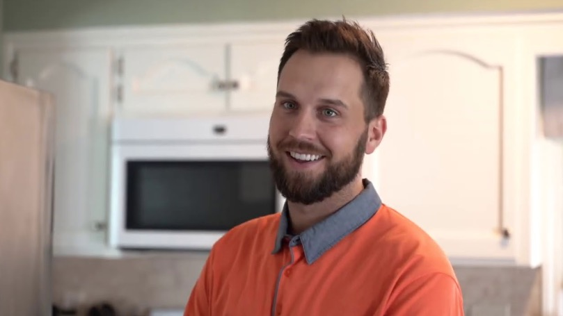 Comedian Captures The Ways Optimists And Pessimists Are Reacting To 2020 Differently