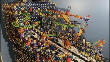Someone Built A Wonderfully Elaborate Pinball Machine From K'NEX Parts And It's A Marvel To Behold