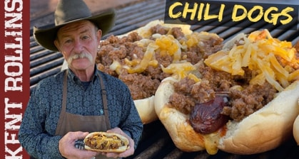 This Cowboy Explaining How To Make The Most Delicious Chili Cheese Dog Is The Most Wholesome Food Video You'll Watch Today